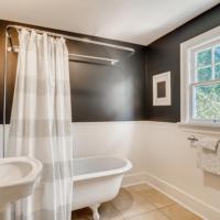 2514 NE 32nd Place Portland OR-large-021-020-2nd Floor Master Bathroom-1497×1000-72dpi