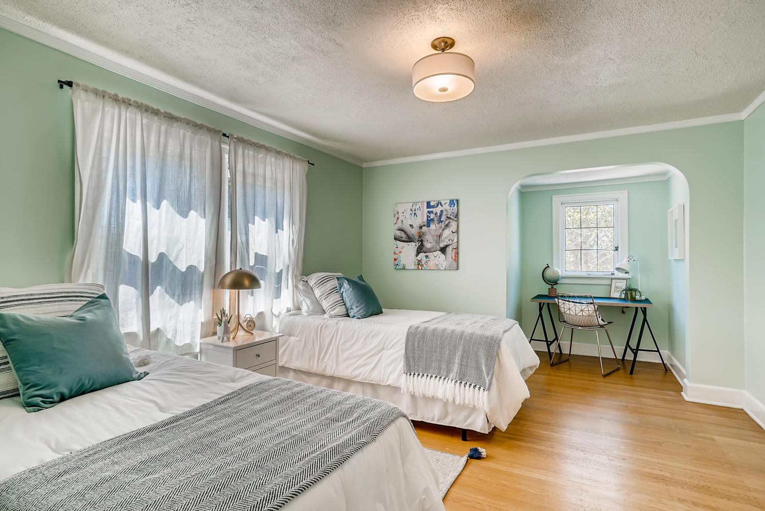 2514 NE 32nd Place Portland OR-large-023-019-2nd Floor Bedroom-1497×1000-72dpi